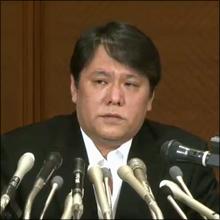 七三分けに変貌した佐村河内氏、謝罪会見で見え隠れした「焦り」