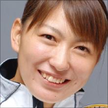 元バドミントン選手・小椋久美子、色っぽいセーラー服姿でおバカキャラ発揮