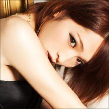 ニューハーフ界最強美女・佐藤かよ! キワどすぎるハイレグ姿を披露したグラビアに絶賛の声