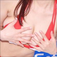 「ポロリなしの撮影って難しい(笑)」ベテラングラドル・花井美理、950ミリの胸が大暴れする最新作!