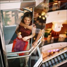 セクハラプレイ専用エレベーター!? 20分が限界だったマニアックなイメクラ