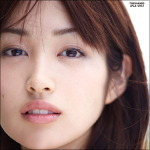 天然キャラが話題の女優・高梨臨、不思議ちゃんの魅力で共演者キラーの異名も!?