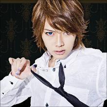 話題の男装モデル・ルウト、Dカップおっぱいを告白! AKB48の峯岸みなみを虜に