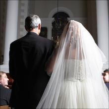 【風俗ちょっといい話】 花嫁は風俗嬢、バージンロードを歩く父親は…