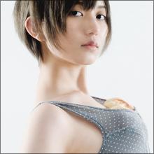 「メロンパンブラ」にファン仰天、元AKB48・光宗薫のセミヌードが話題に