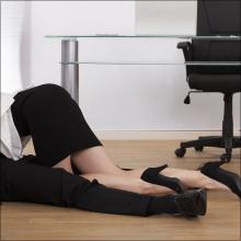 机の上で全裸M字開脚&応接ソファで対面座位! 残業のご褒美は禁断の社内セックス