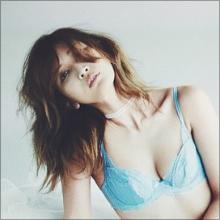 紗栄子が下着姿のセクシー写真を披露! 「脱ぎたがり」の裏にある必死すぎる戦略