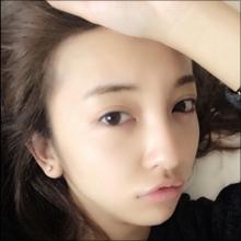 24時間アヒル口!? 板野友美、寝起き写真投稿はニューシングルの宣伝か