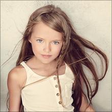 史上最年少のスーパーモデル!? 9歳美女が直面するセクハラ問題