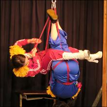 笑えるSMイベント『笑縄』! コワモテ緊縛師が縄を片手にコントに挑戦