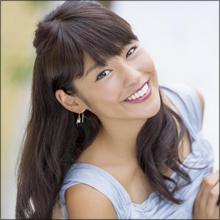 色黒女子アナ・岡副麻希、黒パンストがエロすぎる! 超ミニのサンタコスにファン大喜び