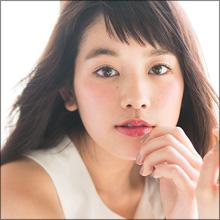 筧美和子、豊満バストと美脚で男女を魅了! ファッションイベントで見せた抜群のスタイル