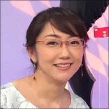 唐橋ユミ、深夜番組で大人の魅力発揮! 暴走するアイドルの横でミニスカ美脚セクシー