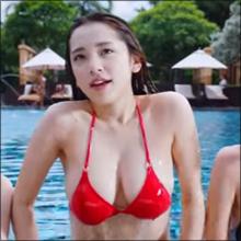 揺れるバストで注目度アップ! グラドル・都丸紗也華、最新CMで「神乳」の魅力爆発