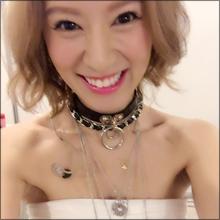 セクシーハプニング続々! 人気女子アナに鈴木亜美が…胸チラ・パン線・ハミ乳てんこ盛り