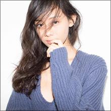 15歳にしてケタ違いの色気! 新人モデル・小林サラ、アルマーニも注目する逸材にネットからも大絶賛