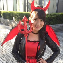 現役女子大生お天気キャスター・阿部華也子、ハロウィンコスで人生初の網タイツ! 豊満バストにも注目集まる