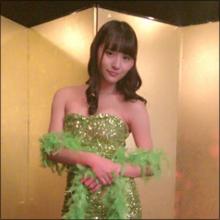 童顔巨乳アイドル・浅川梨奈、初のセンター楽曲で色っぽさ全開のボディコン衣装!