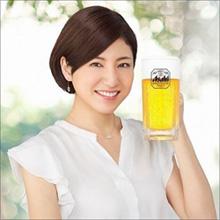 井川遥の再来!? ビール美女・田口千晶、知的でセクシーな魅力で注目度アップ