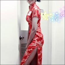 中国人タレント・梨衣名、チャイナドレスで大胆チラリ! セクシーハプニングにファン大盛り上がり