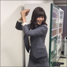 稲村亜美、神スイングで70メートル弾連発! がっちり下半身にファン歓喜