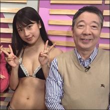 伝説の鶴光ラジオがTVで復活! さっそく若手グラドルがスタジオ生着替え!!