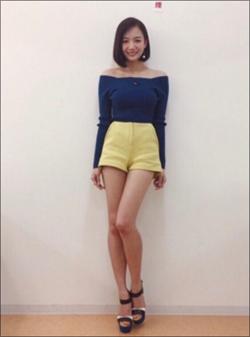 暴れん坊な着衣巨乳! モデル・岡田紗佳、麻雀姿がセクシーすぎると話題の画像1