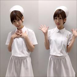 「おパンツ丸出しナース」夏目花実、加トケンコントでハレンチショット!の画像1