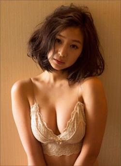 むっちりして可愛らしさ倍増! 佐山彩香、元・最強JKがムチムチ化で人気上昇中の画像1