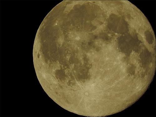 【エロ体験談】満月の夜にムラムラする私の画像1