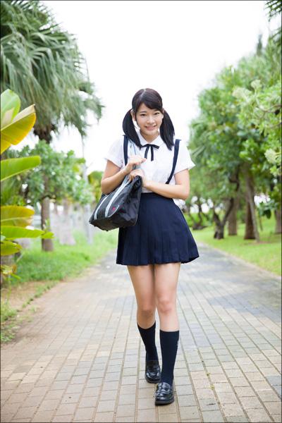 合法ロリの超新星・朝倉恵梨奈、たわわな胸を揺らして「ハアハアしてます」!の画像2