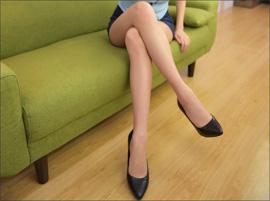 超絶美脚グラドル・緒方咲、魅惑の「脚時計」でファンを悩殺の画像1
