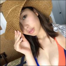 稲村亜美、美巨乳ショットに大反響! 発売迫る「最初で最後の露出が高い写真集」にファンの期待高まる