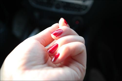 【エロ体験談】美少女が痴漢に遭遇! そのとき俺の股間にも魔の手が…の画像1