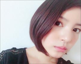 川島海荷、爽やかな笑顔でセクシーハプニング! ショートカットにして色気倍増!?の画像1