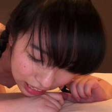 処女同然ロリっ娘のウブすぎるデビュー作『制服美少女と性交/伊藤菜々』