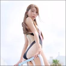 【SNSセクシー】色っぽい表情と絶妙ヒップライン!