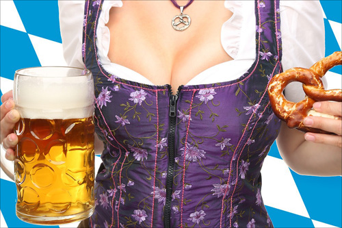 【エロ体験談】久々のハプバーでビールを豪快に飲む巨乳美女を発見! 乾杯後、すぐに完敗…の画像1