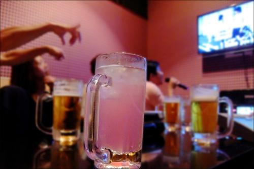 【エロ体験談】酒乱美女にチンチンを品定めされた合コンの画像1