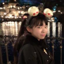 「最強合法ロリ巨乳」長澤茉里奈、普通に小学生にしか見えない夢の国ショットにファンも驚愕!