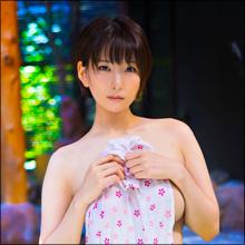 限界突破のイメージDVD! 美尻グラドル・朝比奈祐未、手ぬぐい1本で魅せる超絶セクシー