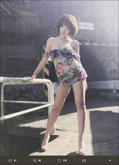 【SNSセクシー】完璧ボディの美女が野外で大胆露出!の画像4