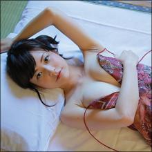 制服美少女の大胆露出! G乳グラドル・月野夏海、ギャップがハンパない最新DVD