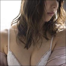 「1度は抱きたい身体」池田ゆり、肉体改造でお尻と胸がボリュームアップ! スレンダーボディの進化に熱視線