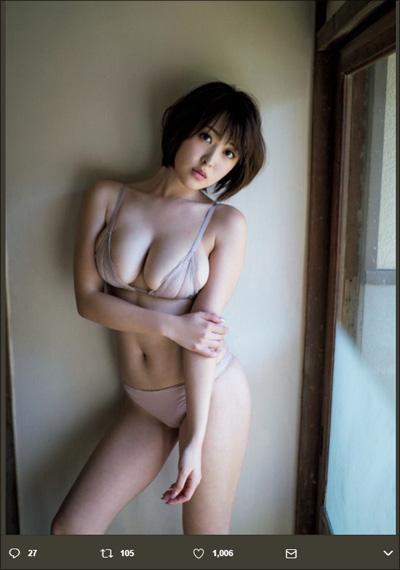 【SNSセクシー】爆乳&巨尻ショット! おめでたい紅白衣装のグラマラス美女たちの画像2
