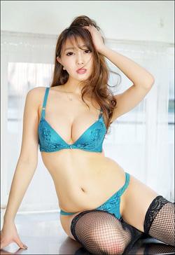 森咲智美、DVDがAmazon1位で雑誌グラビアも猛ラッシュ! 群を抜く色気とサービス精神で勢い加速の画像1