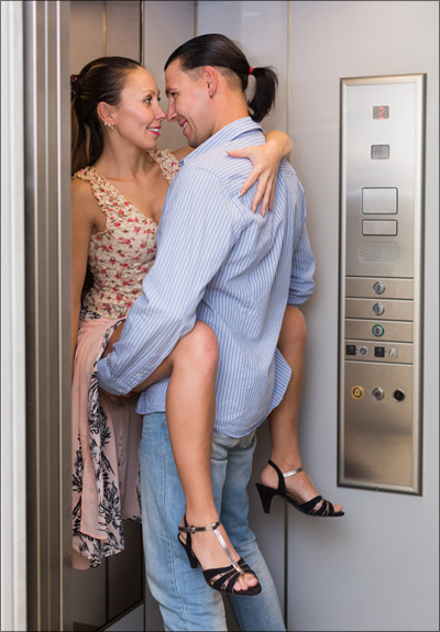 【エロ体験談】エレベーターエッチに憧れて…の画像1