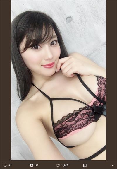 【SNSセクシー】豪快&魅惑の超絶爆乳ショット!の画像4