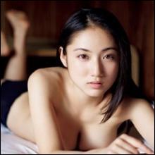 「小学生の時がピーク」!? 20歳になった紗綾の「感慨深い」セミヌード