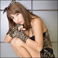 「日本一黒いグラドル」橋本梨菜、ヒョウ柄ビキニが「似合いすぎる」と話題に! 黒肌人気の上昇でブレイクの気配